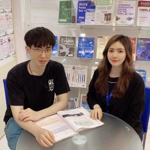 IELTS 7.5全同學與顧問合影