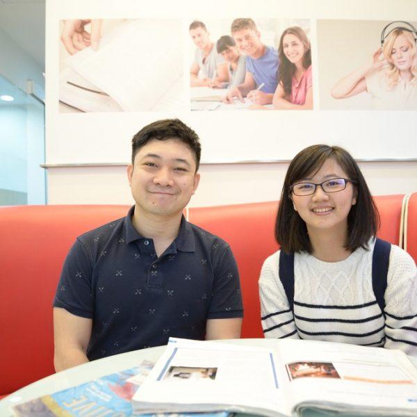 雅思7.5分蘇同學與外籍老師合照